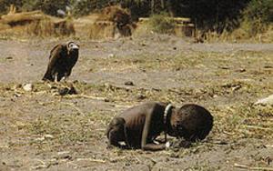 Sudan_child_and_vulture